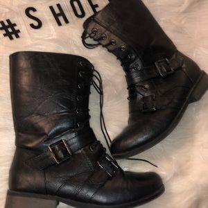 Black combat boots ✨